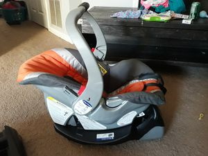 Babytrend infant car seat and bases for Sale in Fairfield, OH