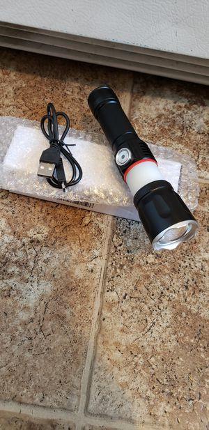 Lampara.recargable..de 1000..lumens.. con.iman.. for Sale in Los Angeles, CA