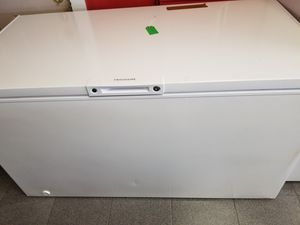 Frigidaire 14 cubic feet chest freezer. for Sale in Holiday, FL