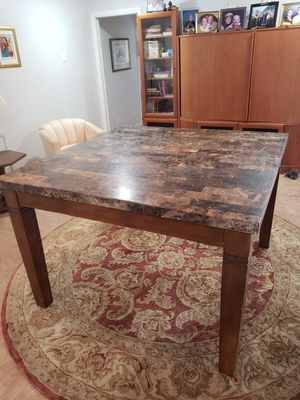 Marble kitchen table for Sale in Coral Springs, FL