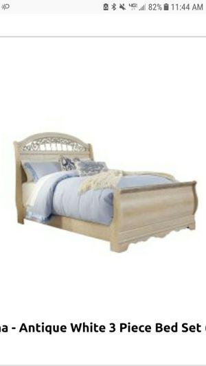 Ashley bedroom furniture set for Sale in Hamburg, NY