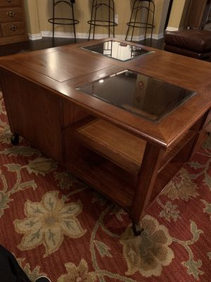 "Solid Wood Square Coffee Table (42"") - Thomasville for Sale in Carrollton, TX"