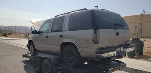 99 Chevy Tahoe for parts No motor no transmission ' for Sale in Los Angeles, CA