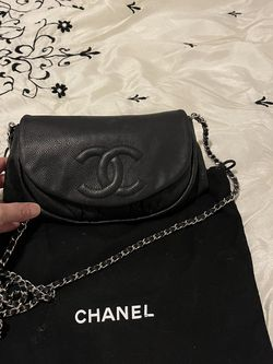 Authentic Chanel Crossbody for Sale in Kissimmee,  FL