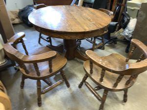 Solid vintage wooden round table with chairs for Sale in Auburn, WA