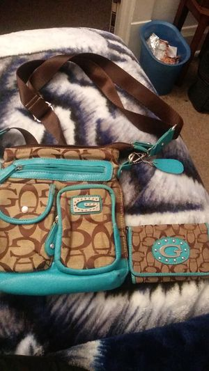 Guess purse for Sale in Depew, NY