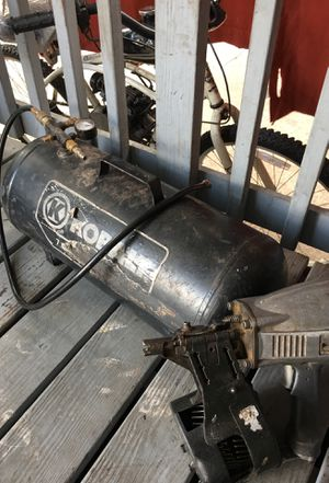 Nail Gun W/ compressor for Sale in Tampa, FL