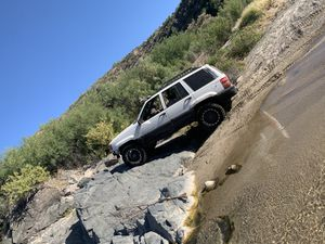 1997 Jeep Grand Cherokee Laredo 5.2 v8 for Sale in Phoenix, AZ