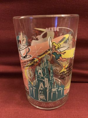 WALT DISNEY WORLD 16OZ GLASS 100 YEARS OF MAGIC BAMBI TINKERBELL PINOCCHIO DUMBO for Sale in Alameda, CA
