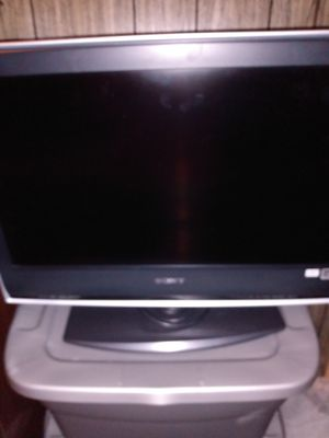 30 inch Sony Bravia lcd.tv.with remote works perfect for Sale in Malden, MA