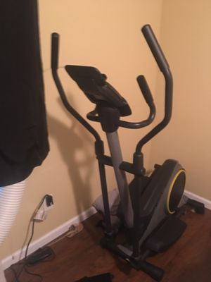 Gold's gym Strider Trainer 350i Elliptical for Sale in Beaverton, OR