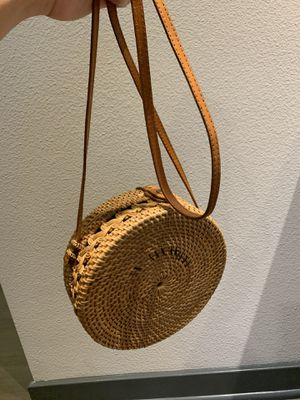 Bali Straw bag Excellent Condition for Sale in Los Angeles, CA