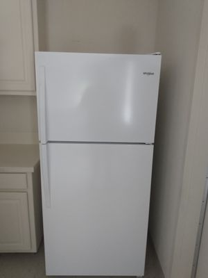 Whirlpool refrigerator for Sale in Austin, TX