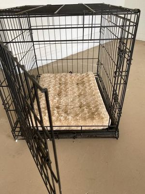 Dog Crate Medium for Sale in Auburndale, FL