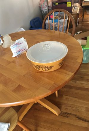 Pyrex casserole with lid for Sale in Woodburn, OR