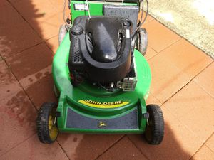 John Deere lawn mower runs excellent asking 160 for Sale in Edgewood, WA