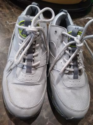 Heelys and Under Armour Shoes (5/5Y) for Sale in Burlington, WA
