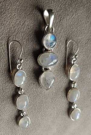Sterling silver Moonstone Necklace & Earring Set for Sale in Bonney Lake, WA
