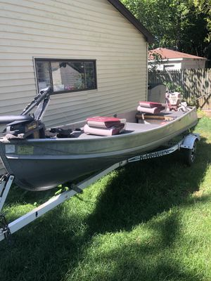 14 foot aluminum boat for Sale in Round Lake Heights, IL
