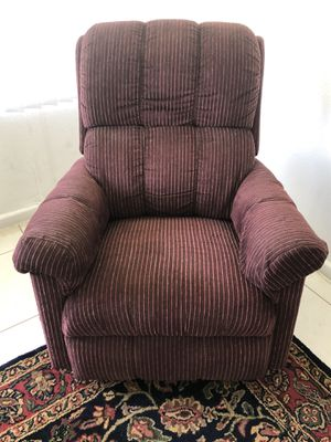Lazy boy Recliner for Sale in Boynton Beach, FL