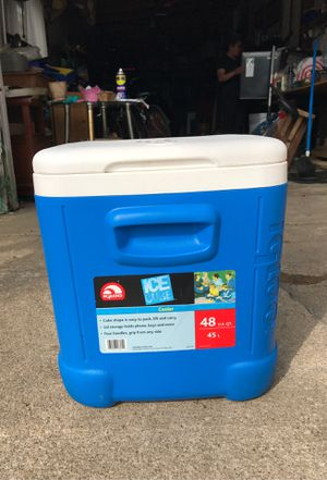 Cooler for Sale in Wheeling, IL