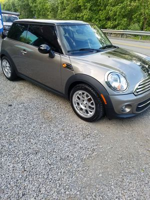 2013 Mini Cooper EXCELLENT CONDITION! for Sale in Pittsburgh, PA