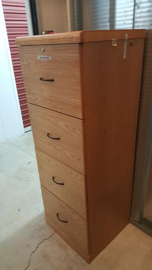 4 Drawer File Cabinet with Lock and Key for Sale in Hayward, CA