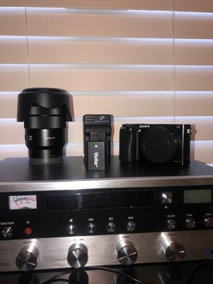 Sony a6000 with 18-105 1.4 lens for Sale in La Vergne, TN