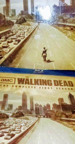 $7.00 The Walking Dead Blu-ray for Sale in Glendale,  AZ
