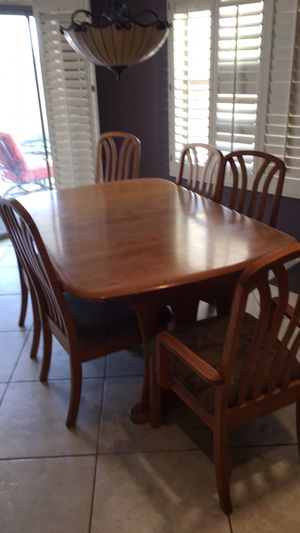 KITCHEN TABLE DINING TABLE with leaf and 6 chairs for Sale in Glendale, AZ
