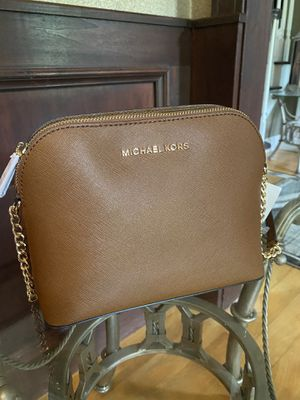 Michael Kors Small Crossbody for Sale in Chardon, OH