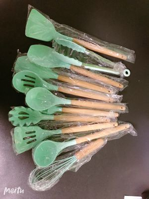 New 11pcs Silicone Cooking Kitchen Utensils Set for Sale in Monrovia, CA