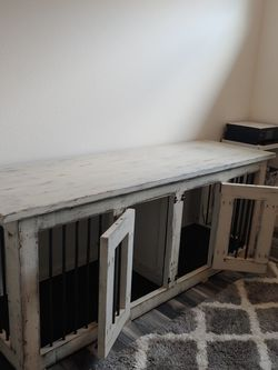Custom Double Dog Kennel for Sale in Tampa,  FL