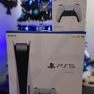 PS5 DISC EDITION + DUAL SENSE CONTROLLER for Sale in Fort Lauderdale, FL