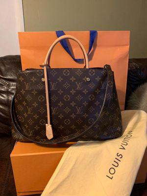 Authentic Louis Vuitton Bag - Montaigne GM Monogram!! for Sale in Phoenix, AZ