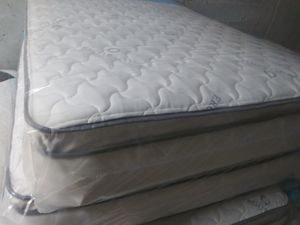 Pillow top mattress and box spring Queen set $225 full set $210 King set $275 brand new free deliver for Sale in Pembroke Pines, FL