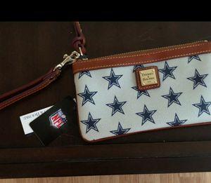 Dooney and Bourke NFL Cowboys Wristlet for Sale in Abilene, TX
