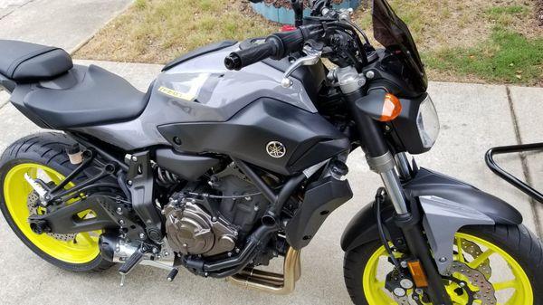 2016 Yamaha FZ-07 motorcycle
