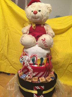 Christmas bear 3teir rolled diapercake for Sale in Poinciana, FL
