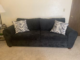 BRAND NEW COUCH WITH PULLOUT BED for Sale in Revere,  MA