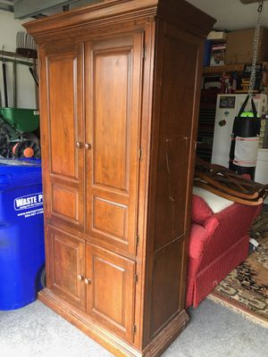 Antique wooden cabinet for Sale in Weston, FL