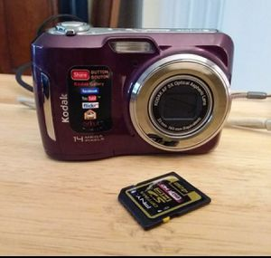 Kodak c195 digital 14mp camera and 4gb memory card for Sale in Delray Beach, FL