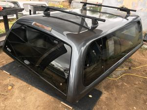 Camper shell for the Toyota Tacoma 6ft bed 2005 to 2015 for Sale in Perris, CA