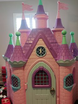 Jumbo Princess Playhouse Palace/Castle for Sale in Rocklin, CA