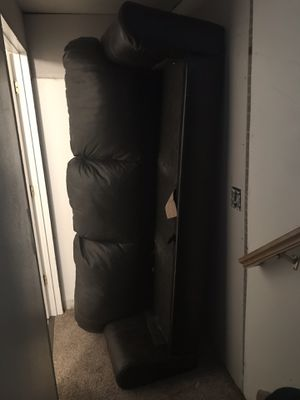 Black leather couch for Sale in Spanish Fork, UT