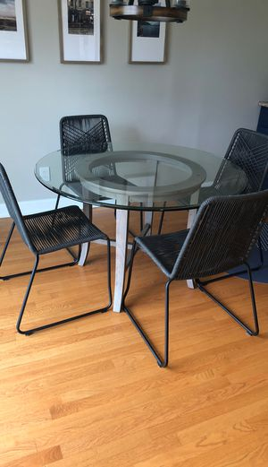 Crate & Barrel Kitchen Table for Sale in Walled Lake, MI