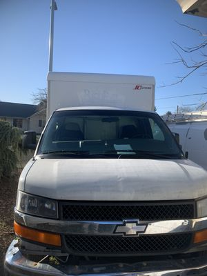 2008 Chevy express van box v8 for Sale in Salem, OR