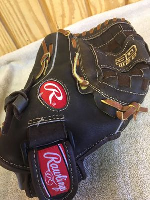 Lefty's girls softball 🥎 glove for Sale in San Bernardino, CA