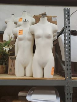 5 Female Half Mannequins for Sale in Lilburn,  GA