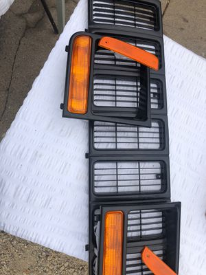 2001 Jeep Cherokee XJ grill, reflectors and turning for Sale in Aurora, IL